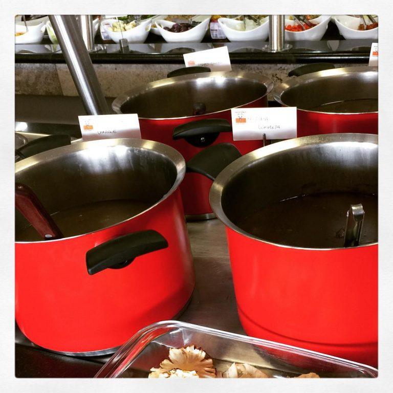 <p>Hoje é dia de Feijoada! Vem provar essa delícia!<br /> #grillhallpanoramico #eunogrillhall</p>