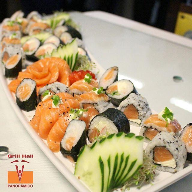 <p>O buffet do Grill Hall vai além dos pratos quentes. Servimos sushi.?<br /> Um dos pratos mais queridos da cozinha oriental a disposição dos nossos clientes apaixonados por sushi e churrasco. Quem disse que sushi e churrasco não combinam?Claro que sim. ?? Apaixonados por sushi são muito bem-vindos no Grill Hall Panorâmico.</p> <p>#EuNoGrillHallPanorâmico #eunogrillhall #ChurrascoTodoDia #sushiechurrasco #sushi</p>