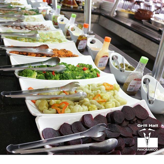 <p>Para acompanhar nosso Rodízio de Carnes, temos uma variedade de saladas. Qual você gosta mais? A tradicional maionese, a salada de folhas, a salada de cebola assada? Conta para nós.</p> <p>#EuNoGrillHallPanorâmico #eunogrillhall #ChurrascoTodoDia #salada</p>