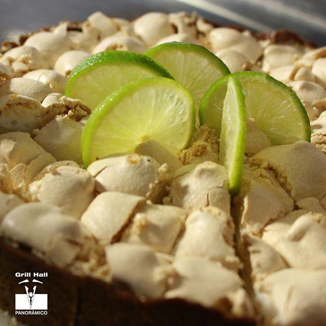 <p>Nosso Buffet de Sobremesas, é recheado de diversas sobremesas, agradando todos os paladares. Uma das que mais agrada é a nossa Torta de Limão. Vem almoçar e provar essa torta inesquecível.??? #EuNoGrillHallPanorâmico #eunogrillhall #ChurrascoTodoDia #sobremesa #tortadelimao</p>